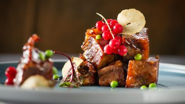 Món sườn non thịt bò của đầu bếp Xue & Vang Amarone Della Valpolicella Classico DOCG