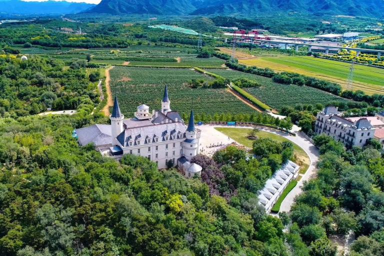 An Introduction to China's Top 10 Wineries