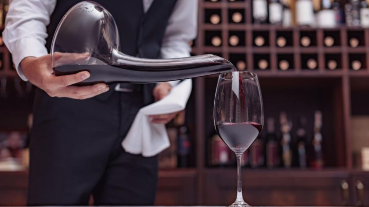 所有葡萄酒爱好者应拥有的饮酒工具及配件