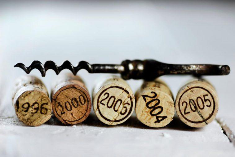葡萄酒如何陈年:不同类型葡萄酒的陈年潜力